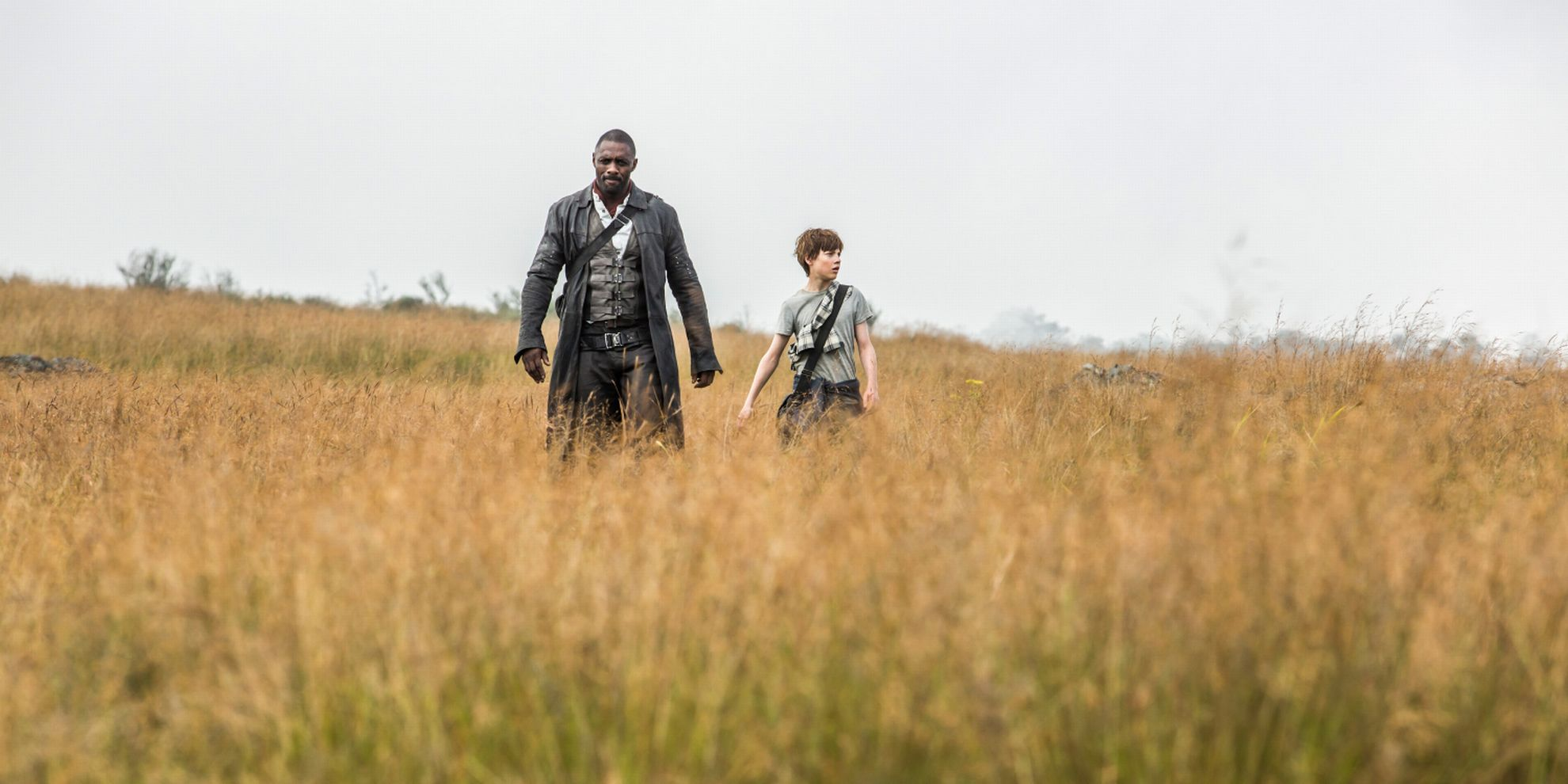 ACTION: Idris Elba og Tom Taylor mangler kjemi i «Dark Tower» (Foto: Ilze Kitshoff)