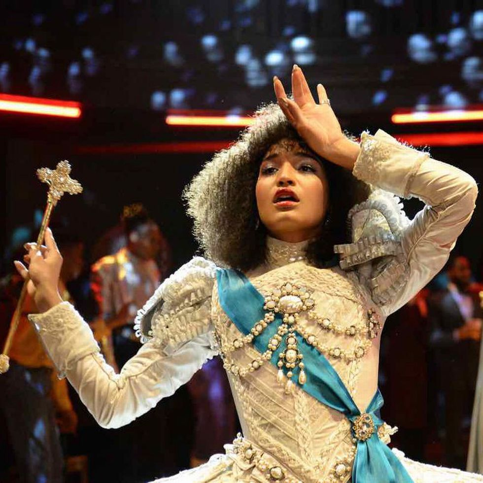 UNDER EN «BALL»: Her ser vi Angel (Indya Moore).